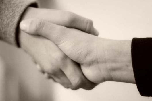 handshake-recruiting-sepia